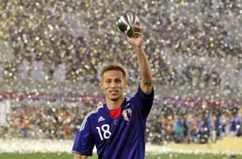 本田圭佑 2011アジアカップMVP.jpg